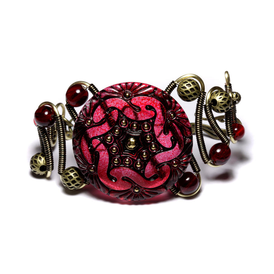 Is Steampunk Jewelry A Craft Or An Art: Steampunk Jewelry Red Bracelet By CatherinetteRings On