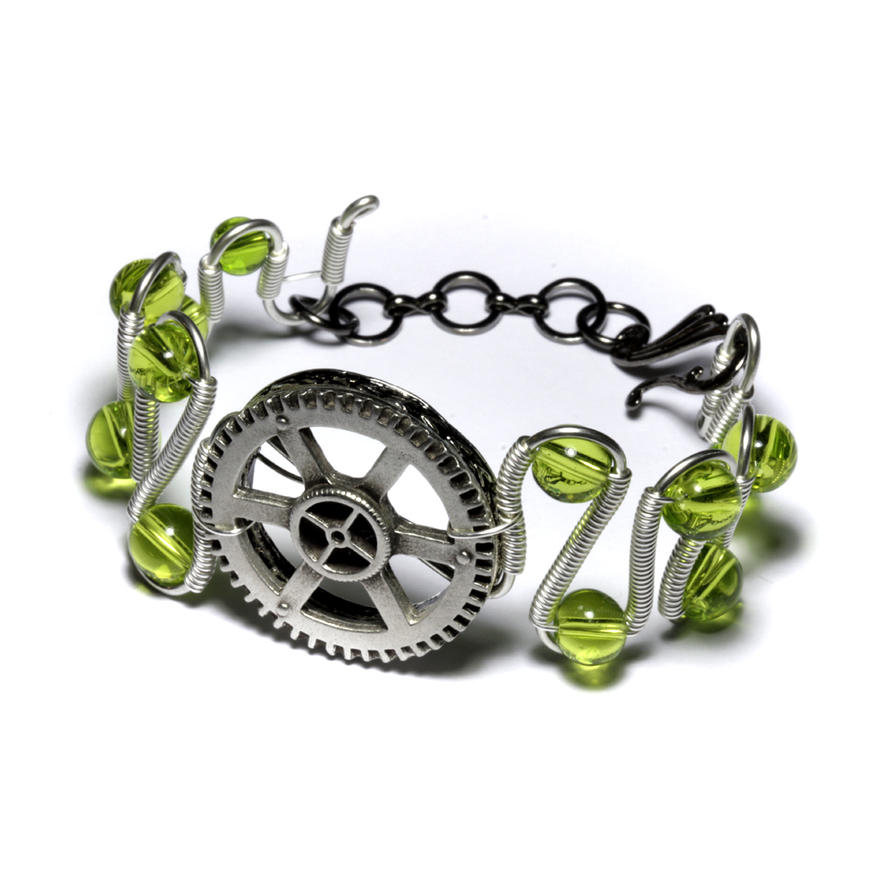 Steampunk bracelet green gear by CatherinetteRings