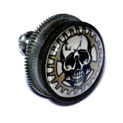 Steampunk Neo Victorian Lapel pin Skull and Gear