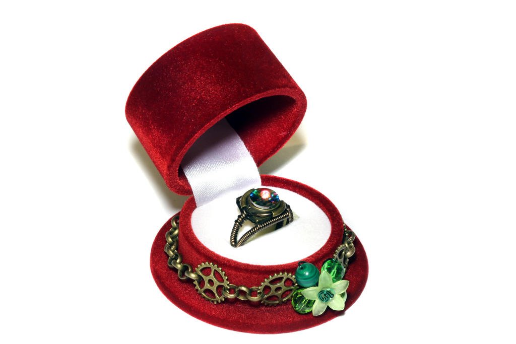 Steampunk Top Hat Christmas Ring Box by CatherinetteRings