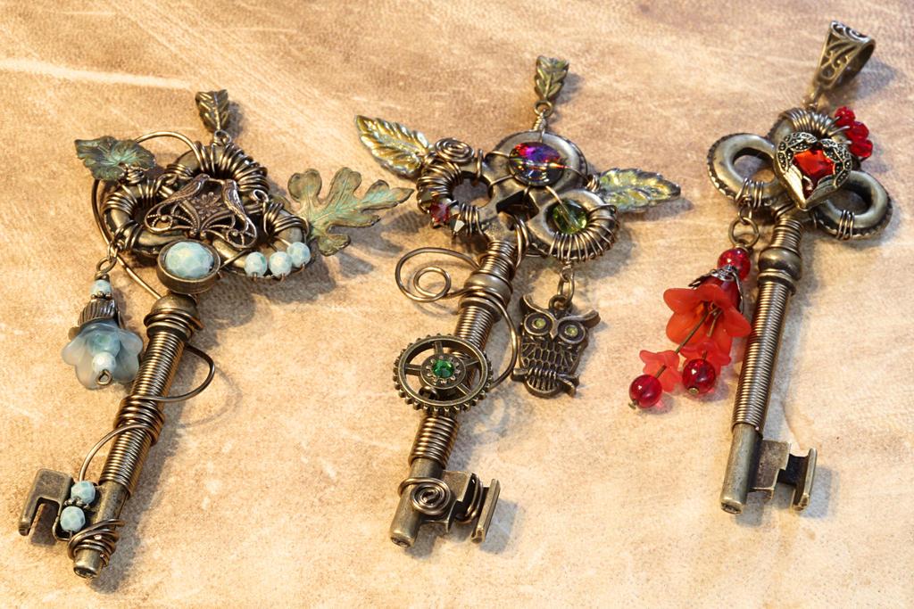 Steampunk key Pendant by CatherinetteRings