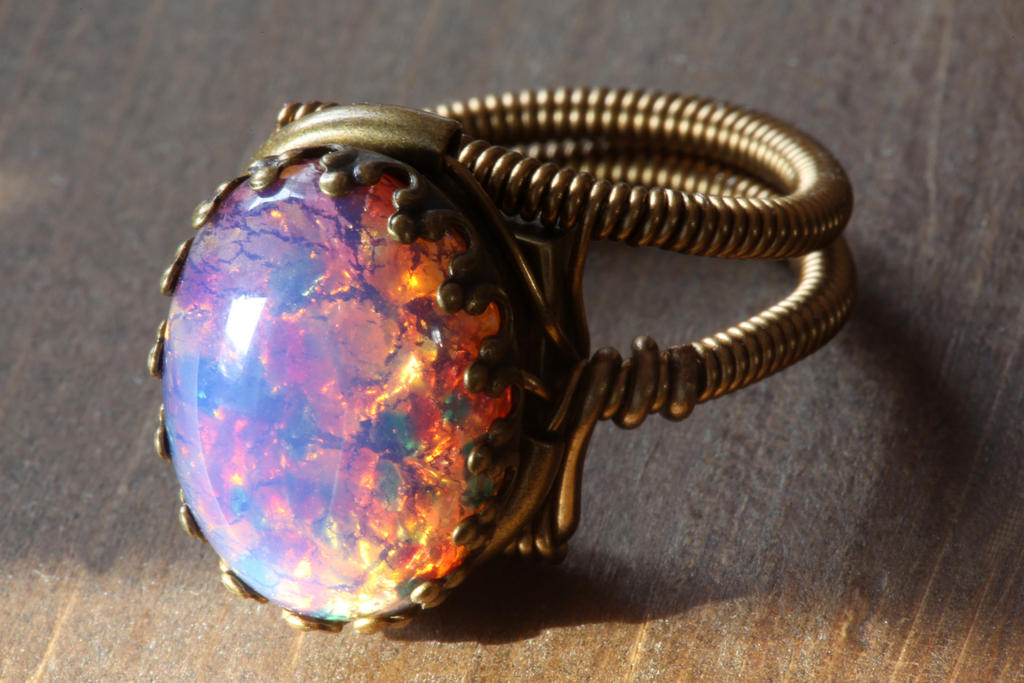 Steampunk Jewelry - Ring - Vintage Fire OPAL glass by CatherinetteRings