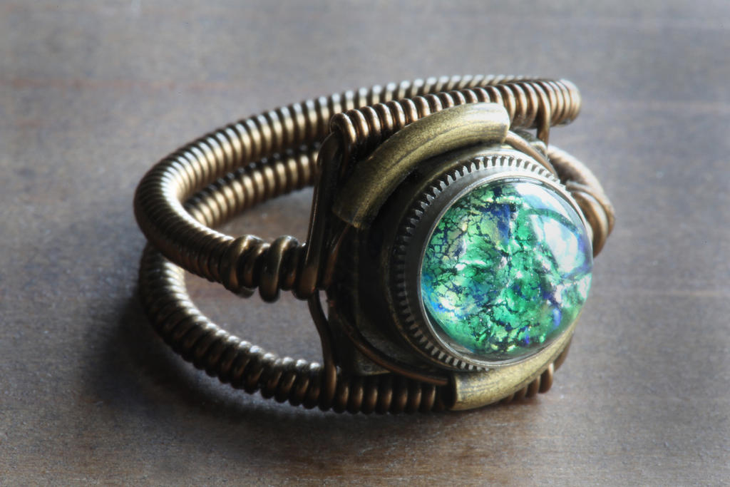 Steampunk Ring - Vintage Green Harlequin glass by CatherinetteRings