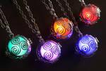 Celtic Glowing Jewelry : Triskel glowing pendant
