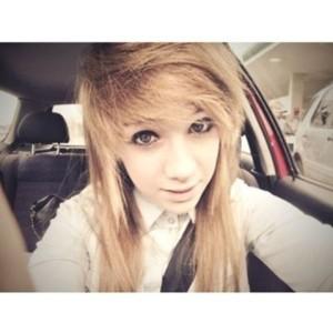 dear-blondi's Profile Picture
