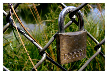 padlock by enigma-tyck