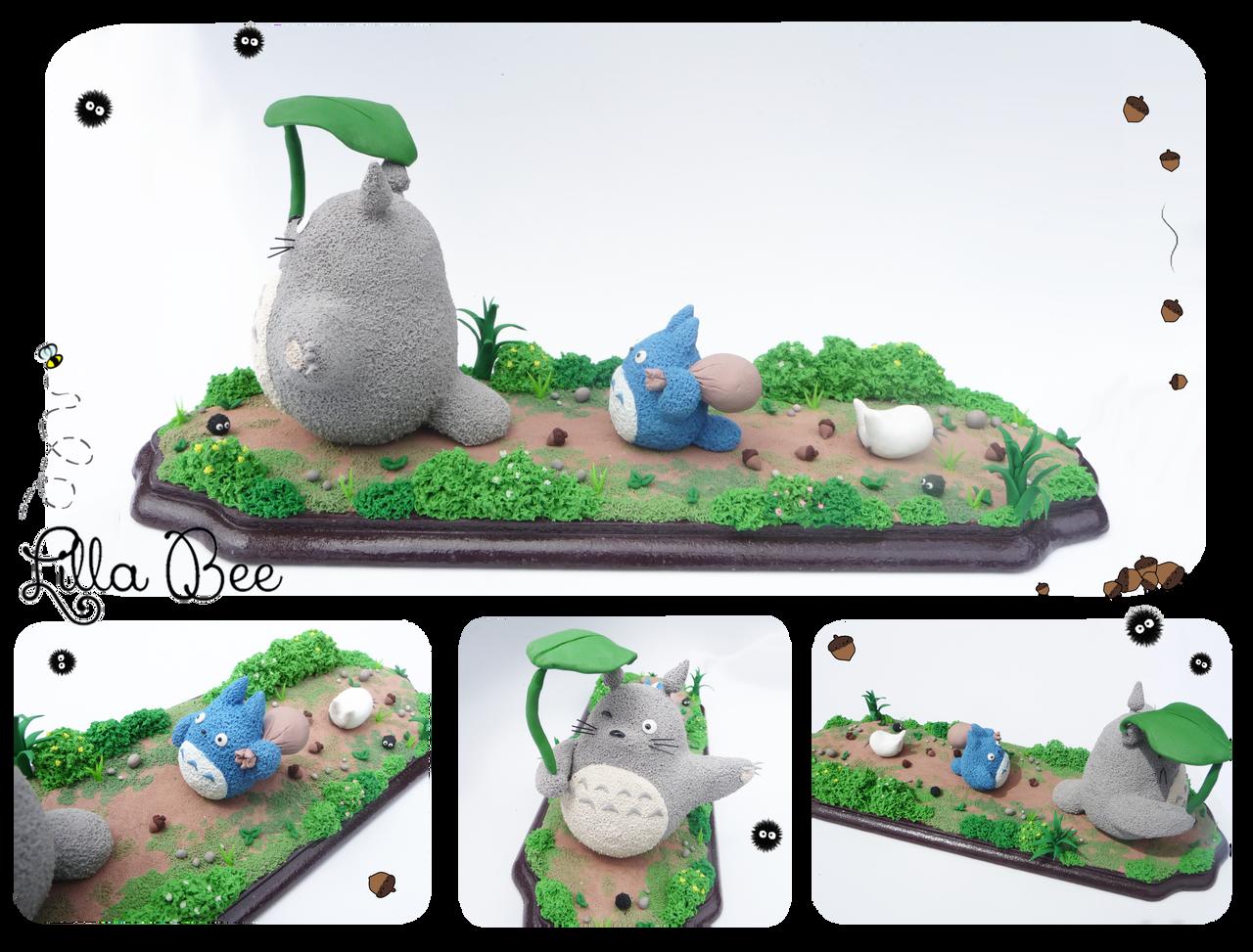 Totoro walk by SuGaR-AdDIKt