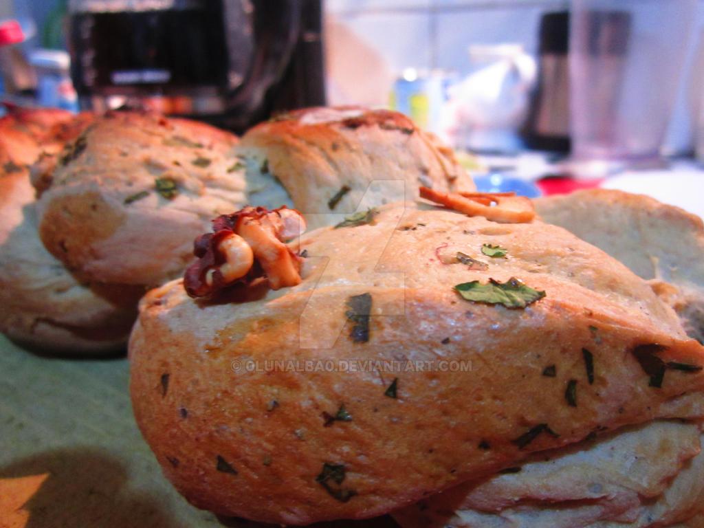 another garlic bread. by 0Lunalba0