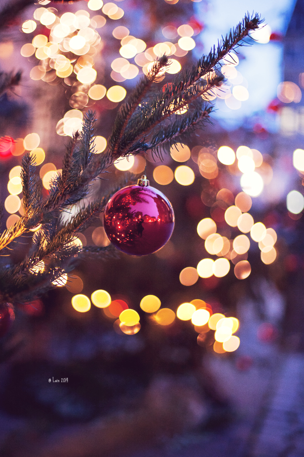Merry Christmas by Lain-AwakeAtNight