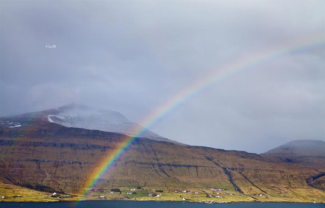 Rainbow by Lain-AwakeAtNight