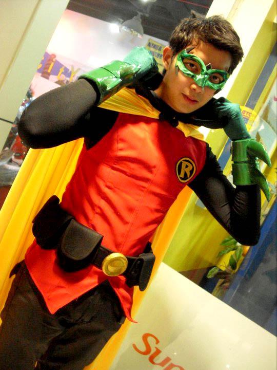 Robin - Damian Wayne by kevmark77 on DeviantArt  Damian Wayne Robin Costume