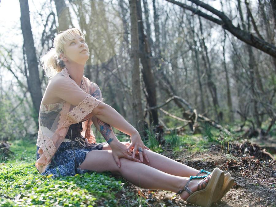 Sittin Pretty by LiiLiiFish