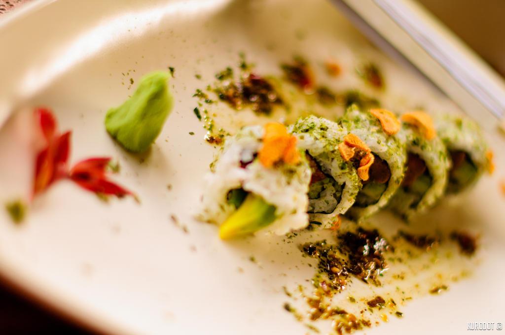 Crunchy Tuna Sushi by KuroDot