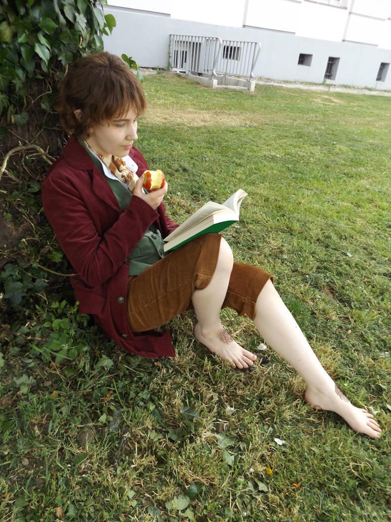Bilbo - A Hobbit's Favourite Activities by BouSaitou1995