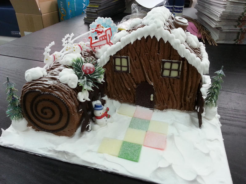 Christmas Log Cabin Cake by nosugarjustanger