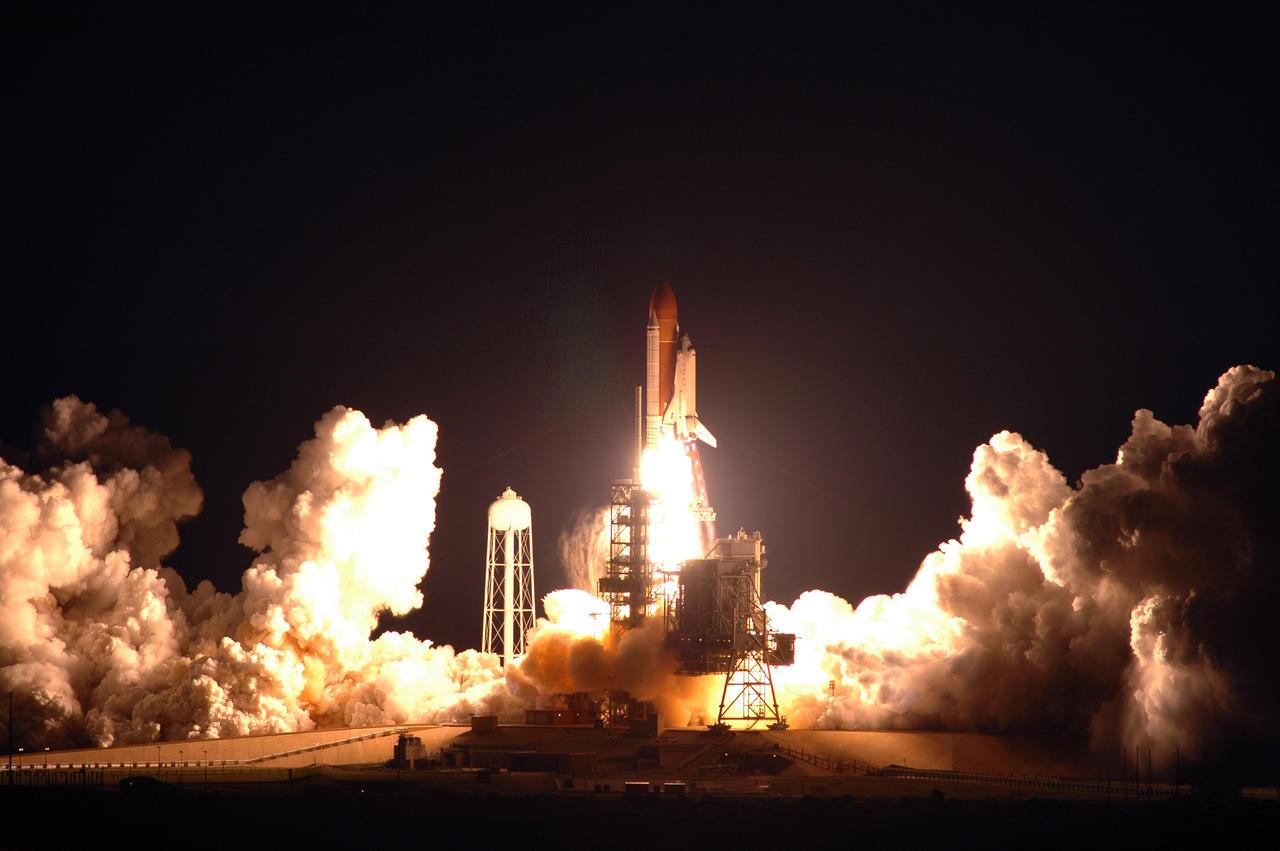 Space Shuttle Night Launch 2 by VistaDude on DeviantArt