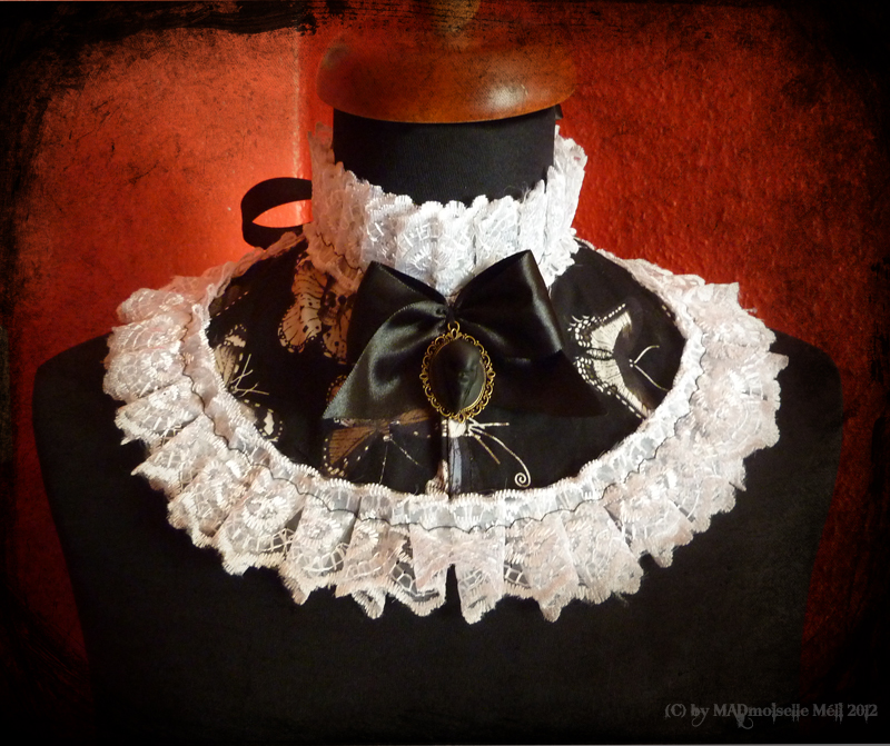 The Secret Garden Collar by MADmoiselleMeli