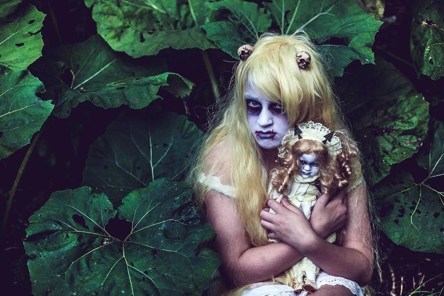 dolly dearest by Lady-Twiglet