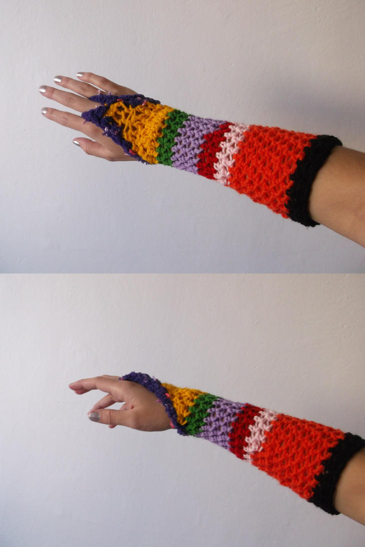 Crochet wrister by Esarina
