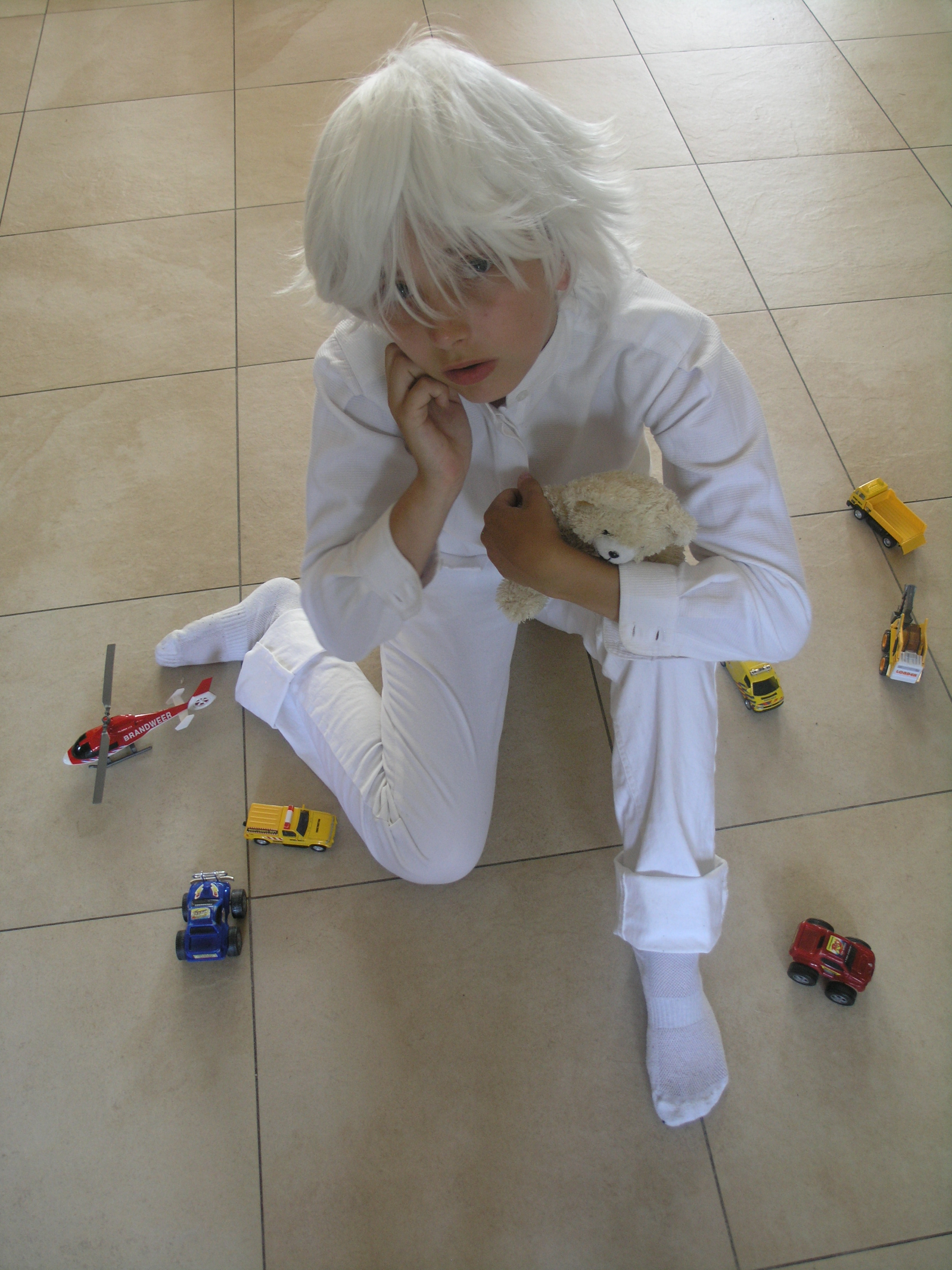 Car Modifikation: Death Note Cosplay >> Near |Near Death Note Cosplay