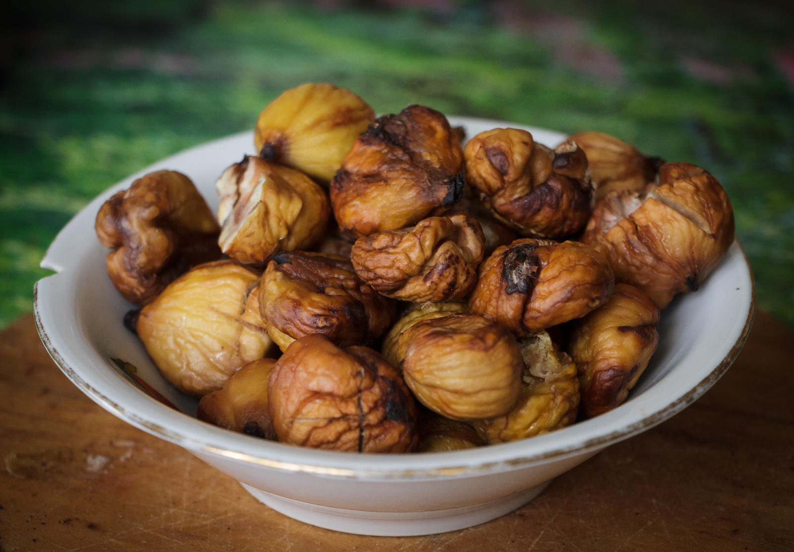 Roasted Chestnuts by sztewe