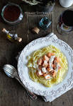 Spaghetti with salmon and creamy cheese sauce