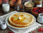 Pancakes with maple syrup by MirageGourmand
