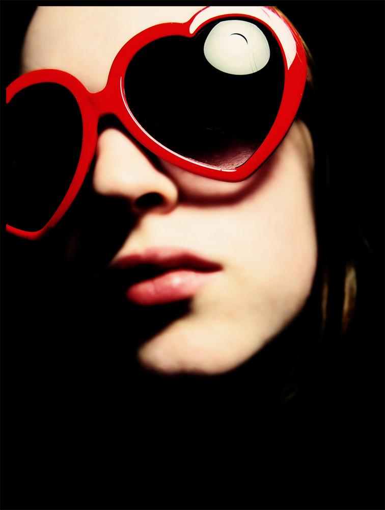 Heart Shaped Glasses by darkixi - Avatar Bulmaca