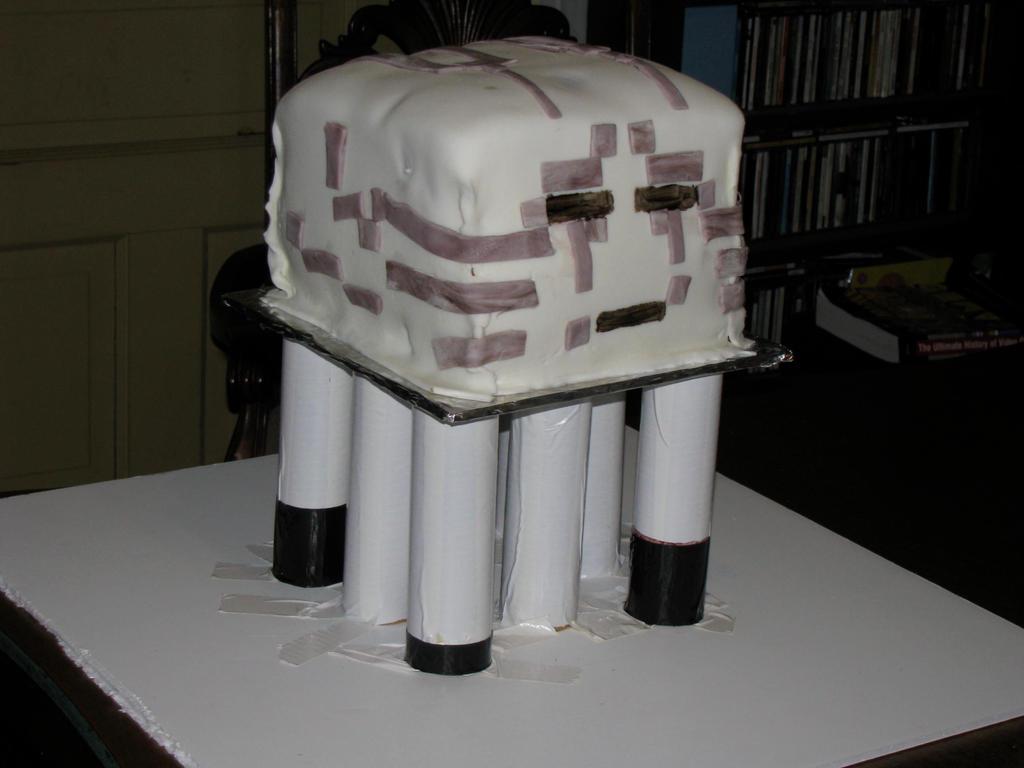 Ghast cake by tkoverkamp