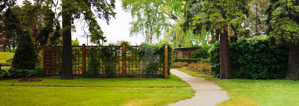 150606 Garden Entrance by TalizmynVox