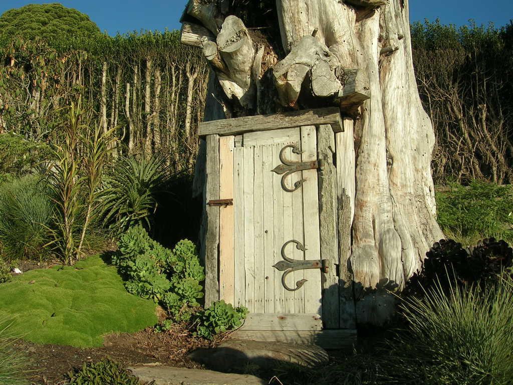 Incroyable Tree Door By Labneh Stock ...