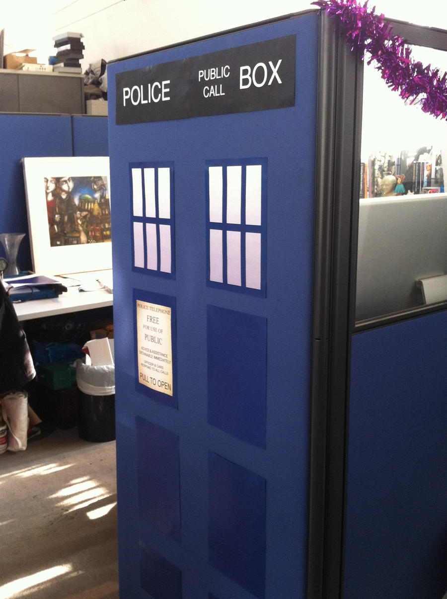 Tardis Cubicle by deezoid