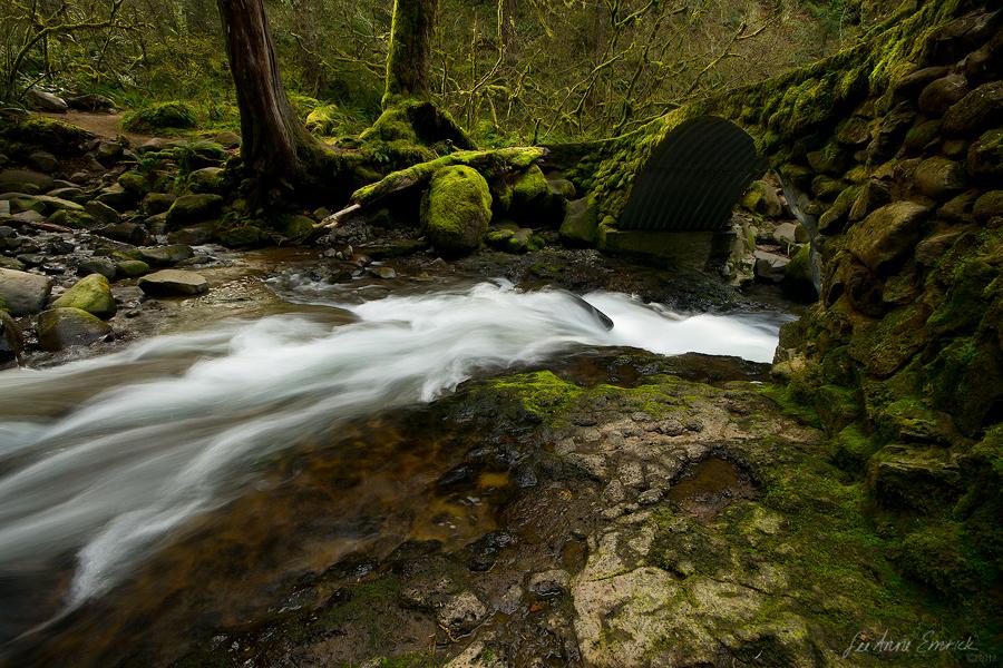Multnomah Creek by LAlight