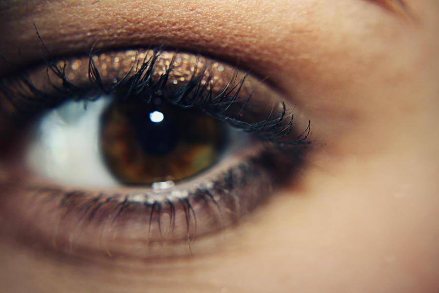 Soft Focus Eye by neverhurtno1 on DeviantArt