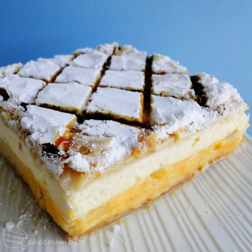 Vanilla Cheesecake Slice by cakecrumbs
