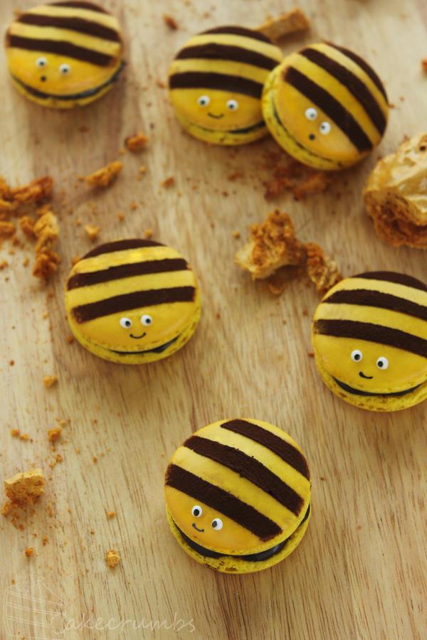 Honey Bee Macarons by cakecrumbs