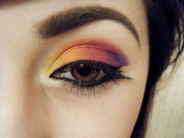Beautiful Eye Make-Up Check It Out!
