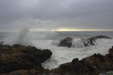 Incoming waves 2 by MiakadoArts