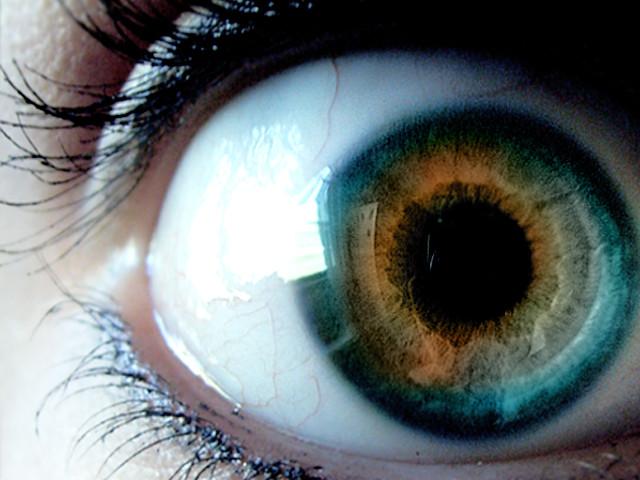 eyeball. by smilebiggly04