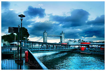 Red Invasion In London by BloodAddict