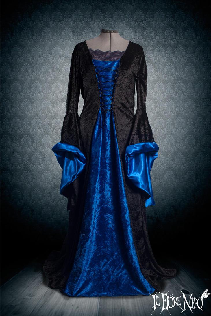 Medieval-gothic dress 'Teresa' by DanielleFioreModel