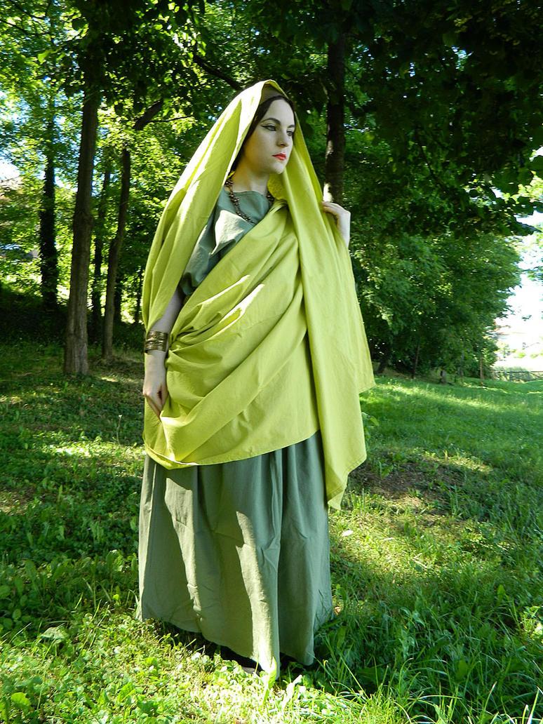 Green ancient Roman tunic and palla by DanielleFiore