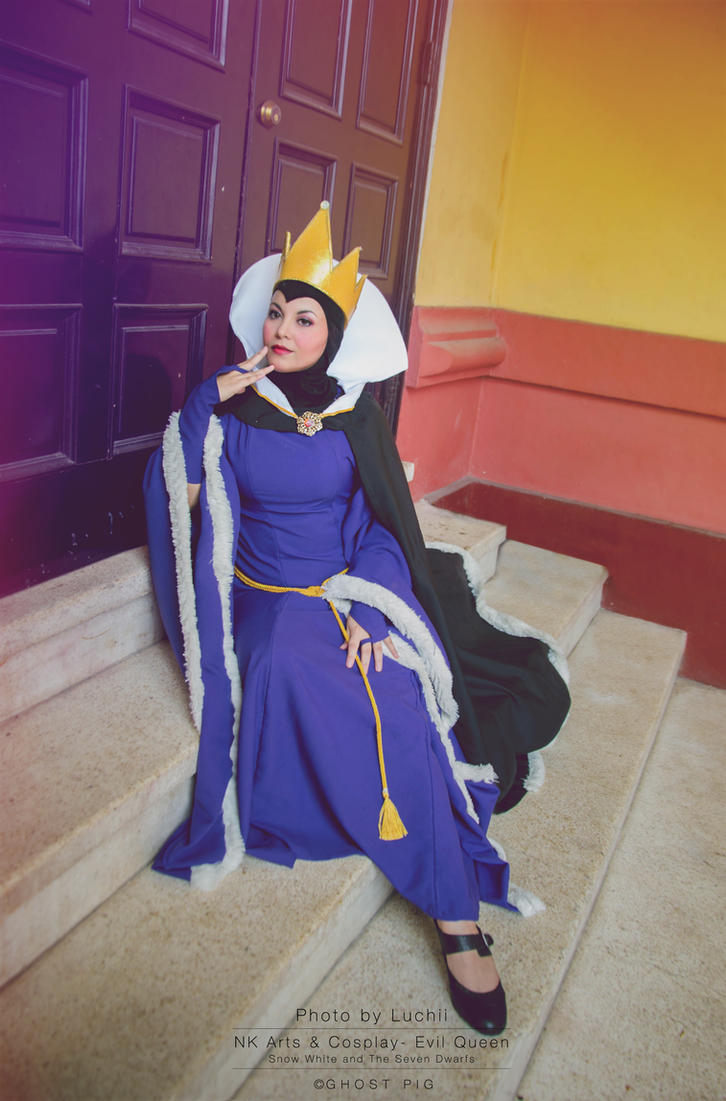Evil Queen by NKCosplay-arts
