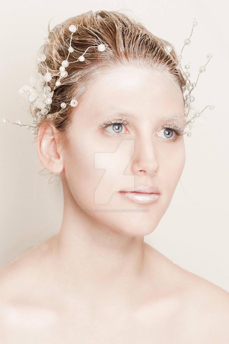 Ice Queen by Gilraen-Taralom