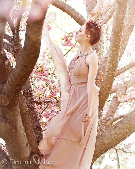 Spring Elegance by Gilraen-Taralom