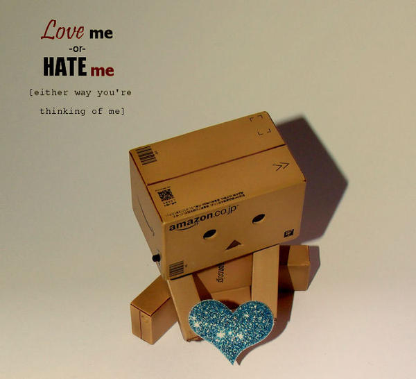 Love me or... by marjol3in1977
