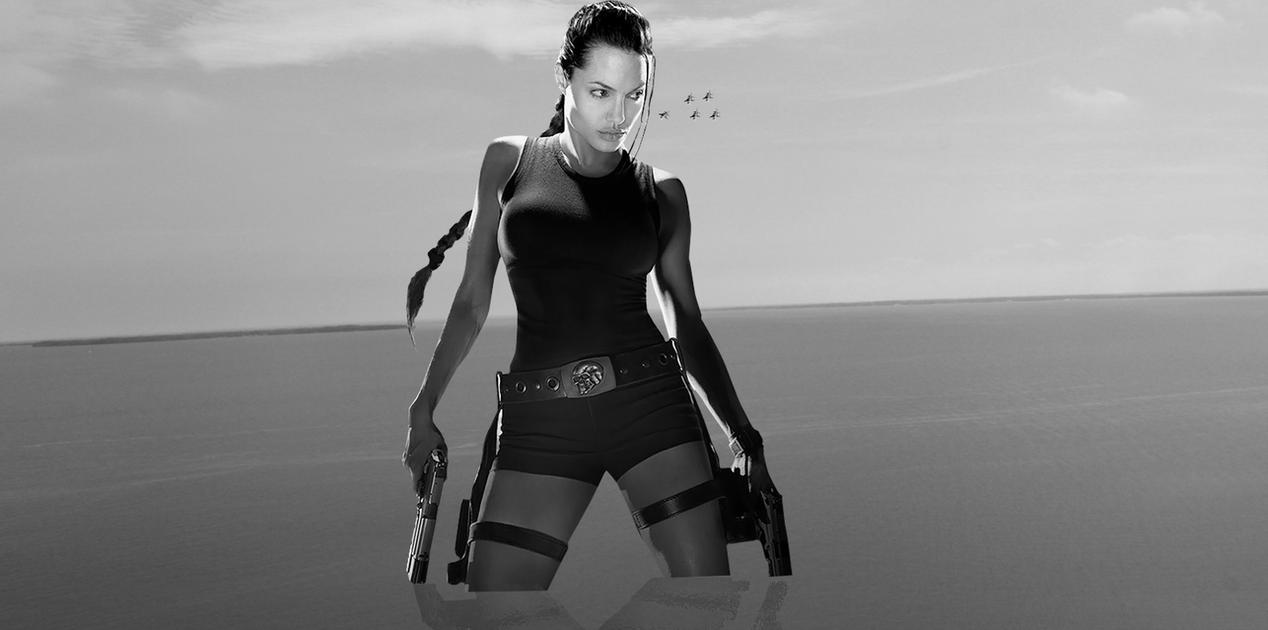 Giantess Lara Croft rise by darthbriboy