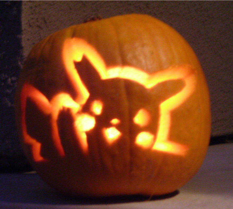 Pikachu pumpkin by allieryan