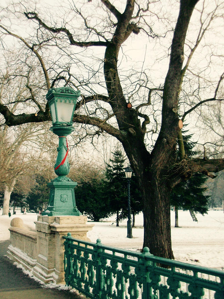 Budapest love by Mithrandiir