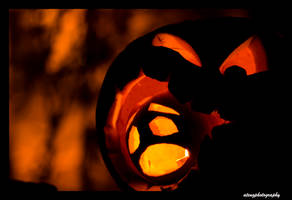 Pumpkin Cannibalism by atengphotography